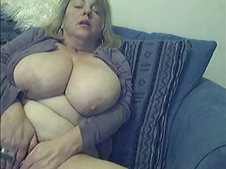 Amateur Mature With Big Boobs Masturbation